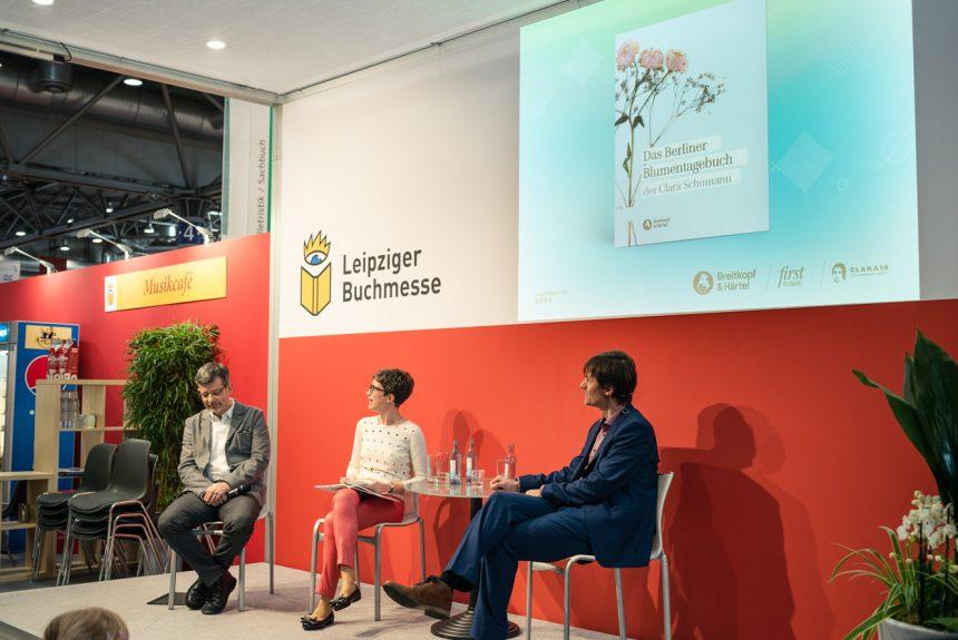 ©ChristianKern Präsentation des Berliner Blumentagebuches im Musik-Café der Leipziger Buchmesse